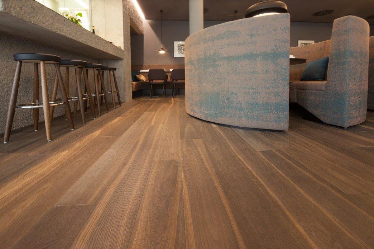 Holzboden Hotel