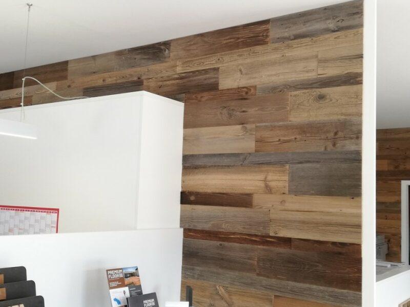 Holzwand Privat